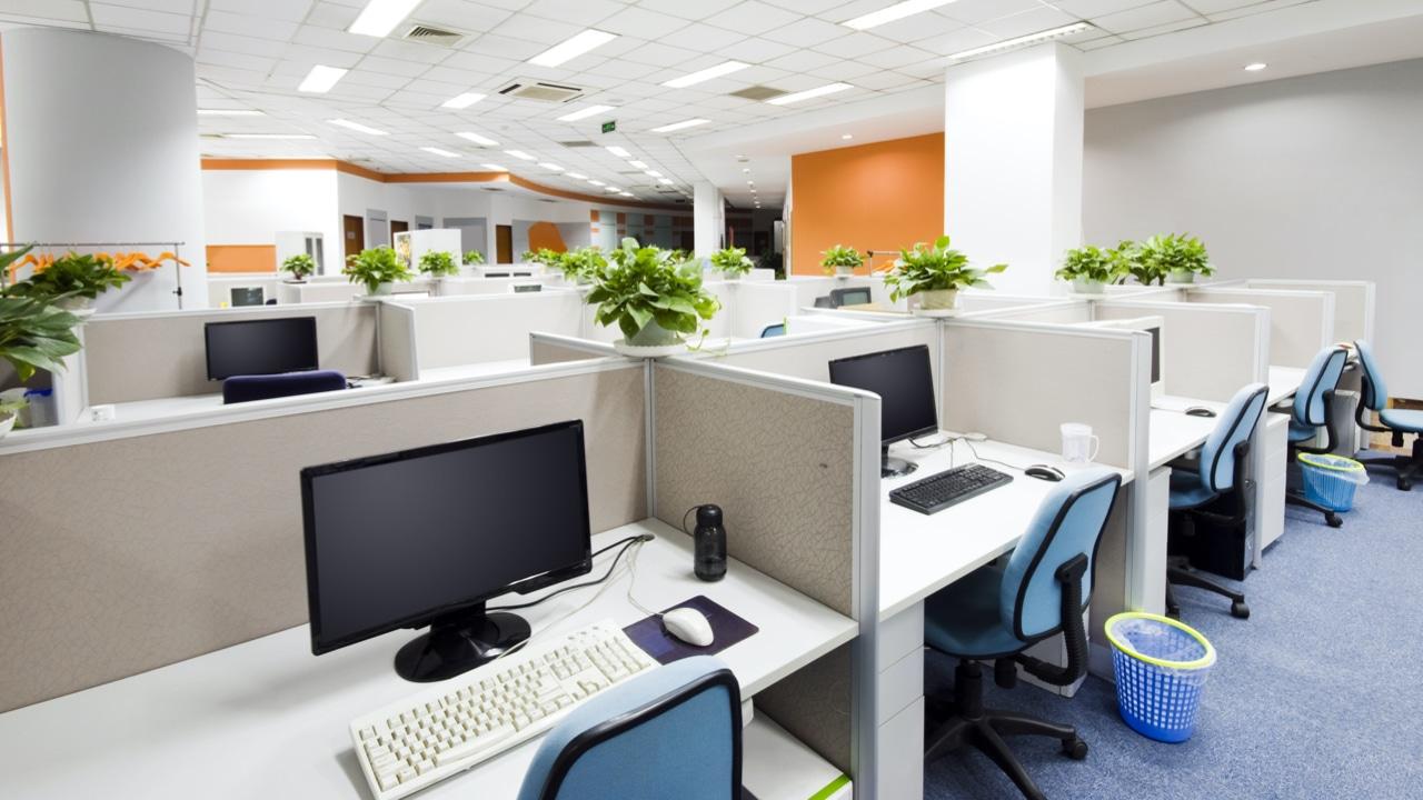 clean-office-workspace